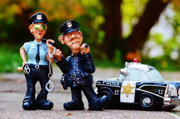 cop-1016240_960_720